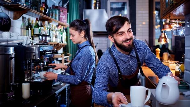 4 Tips For Managing A Blended Workforce